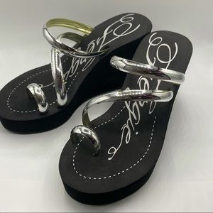 Fergie Black Wedge Foam Sandals